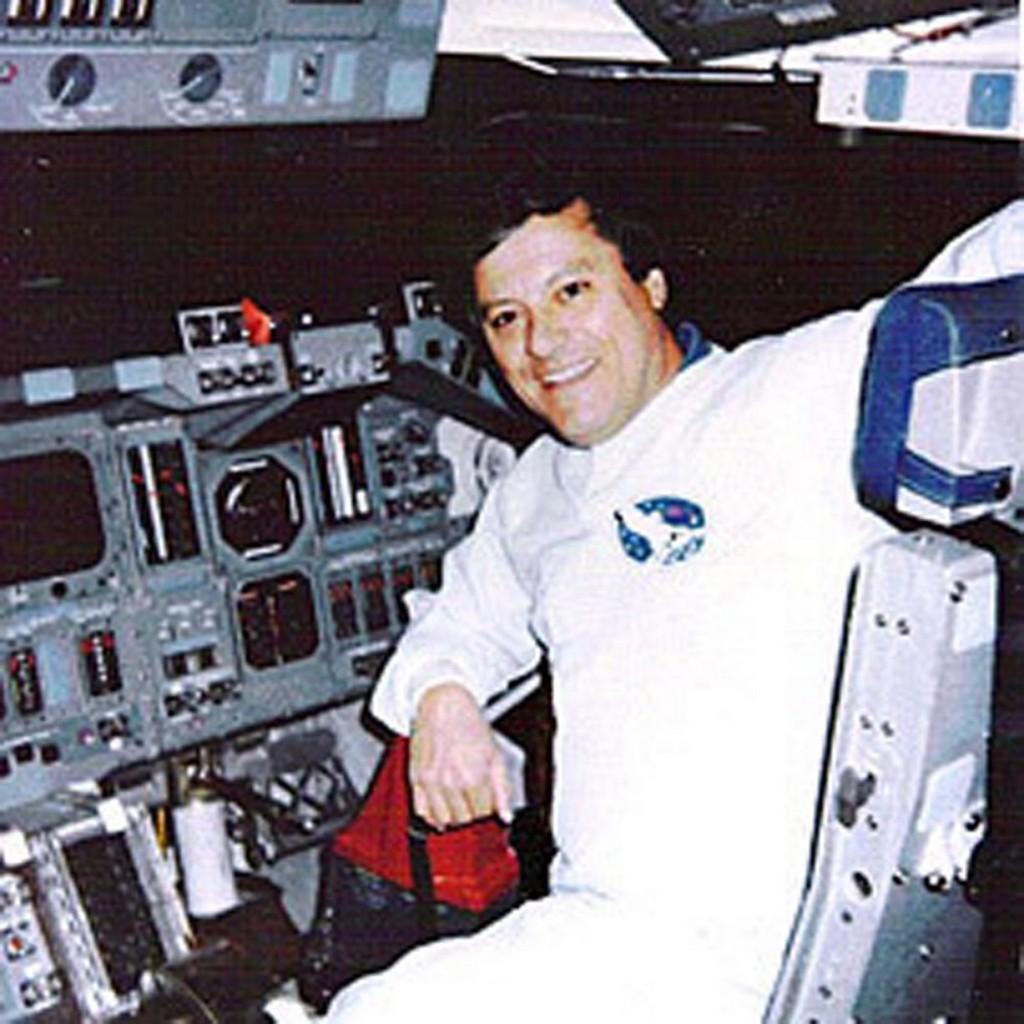 clark-in-the-shuttle